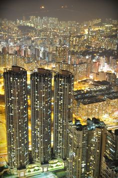 Hong Kong is a beautiful city that has skyscrapers that are magnificent.