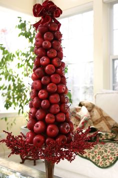 DIY Apple Topiary for Holiday Centerpieces Christmas Topiary, Noel Christmas, All Things Christmas, Christmas Wreaths, Christmas Crafts, Apple Centerpieces, Apple Decorations, Christmas Decorations, Holiday Decor