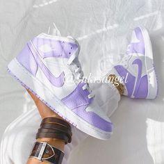 Teen Girl Shoes, Jordan Shoes Girls, Custom Jordans, Nike Custom, Ella Shoes, Jordan 1 Mid, Jordan Retro 1, Popular Sneakers, Nike Air