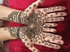 Love it...I really really want some henna. Maybe at renfest!!