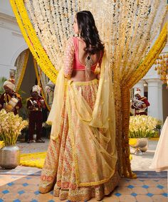 Then you've got to check out Abhinav Mishra's Mirror Work Lehengas from his 2019 spring summer collection. Bridal Mehndi Dresses, Mehendi Outfits, Indian Outfits, Indian Clothes, Big Fat Indian Wedding, Indian Bridal Wear, Indian Wear, Indian Style, Indian Ethnic