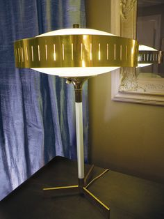 early 1960's Laurel Lamp