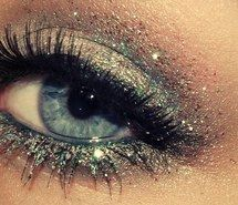 A Collection of 30 Best Glitter Makeup Tutorials and Ideas for 2014