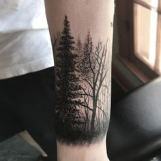 Wraps all the way 'round but ya get the idea, thanks Vigen! #bodyelectrictattoo #foresttattoo #forest #forestsleeve #trees #treestattoo #treetattoo