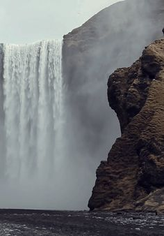 Someplace you wish you were: | 15 Gifs That You Can Stare AtForever