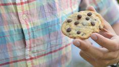 Sega havrerutor med choklad - Jonas Bakar Chocolate Chips, Chocolate Chip Cookies, Desserts, Food, Frases, Tailgate Desserts, Chocolate Sprinkles, Dessert, Postres