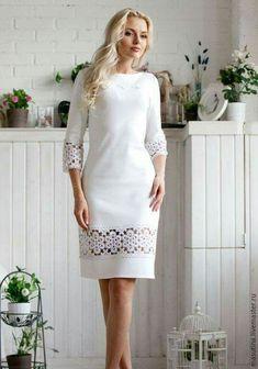 Платье полуприлегающего силуэт