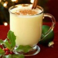 The All American Yuletide Drink-Eggnog, An American classic and it's absolutely amazing. You will want to make it ever year, believe me. Glass Jars, Glass Of Milk, Cream Cream, Recipe Cards, Nom Nom, Favorite Recipes, Smoothie, Drinks, Cooking