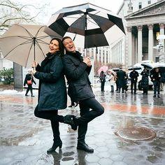 A little Sonny to ward off the rain - Mariska and Peter; umbrellas, teal coat