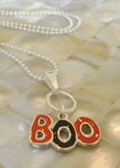 Halloween Necklace Orange and Black Halloween.halloween pendants     #pendant #halloween www.loveitsomuch.com