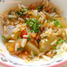 Einfach lecker: Reis, Schmorgurke und Tomate mit den 5 Elementen www.energiekueche.de Vegan, Fried Rice, Chinese, Healthy Recipes, Ethnic Recipes, Food, Browning, Cooking Rice, Vegetarische Rezepte