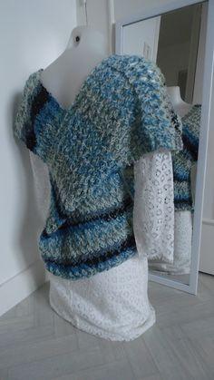 Haut croisé modulable nuances de bleus 100% mérinos, coloris et matière au choix : Pulls, gilets par annbcreation