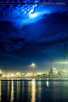 Port w Świnoujściu w nocy #swinoujscie #eswinoujscie #port #foto #szysz