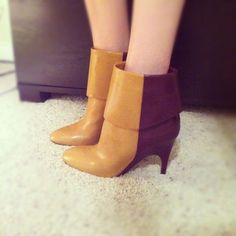 Color-blocked booties! Too cute!
