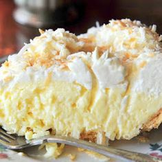 Old Fashioned Coconut Cream Pie Recipe. This dessert is a tried-and-true, old-fashioned coconut cream pie and took many years of searching and baking to find the right one. Old Fashioned Coconut Cream Pie Recipe, Pie Dessert, Dessert Recipes, Appetizer Recipes, Susan Recipe, Kolaci I Torte, Cream Pie Recipes, Thanksgiving Pies, Coconut Recipes