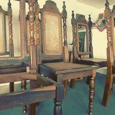 Arte em Palha (Empalhamentos, Itu/SP) • Cel/Whats: 11 97040-6441 • Tel: 11 4025-2175 • Instagram: #arteempalha  #cadeira #palhinha #decor #decoração #restore #craft #artesano #handmade #makeover #marcenaria #caneseat #chair #chaircaning #inspiration #interiors #interiordecor #noite #noiteboa #boanoitee #boanoiteee #boanoite #goodnight #follow4follow