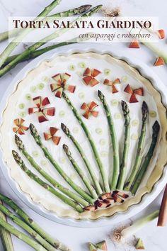 La torta salata giardino è un rustico dai sapori e i colori primaverili/estivi, facile da preparare, gustoso, leggero e bello da vedere. Green Beans, Watermelon, Picnic, Vegetables, Fruit, Easy, Italian Recipes, Food, Essen