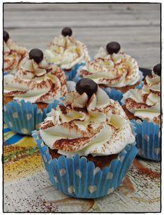 Místo hlavy CUPCAKE: Tiramisu cupcakes Tiramisu Cupcakes, Mini Cheesecakes, Yummy Food, Yummy Recipes, Deserts, Food And Drink, Sweets, Cookies, Blog