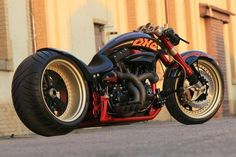 """Fat Attack AG Harley Davidson """"The ONE"""" - Street Legal Harley On Steroids! Fat Attack AG is a Swiss-based custom bike maker and he menaged to turn a Harley Motos Harley Davidson, Harley Davidson Custom, Custom Choppers, Custom Harleys, Custom Bikes, Custom Baggers, Custom Cars, Custom Cycles, Vrod Custom"""