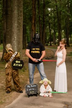 Our epic Star Wars pregnancy announcement! (Photo credit: Kayleigh Ross Photogra - Baby Star Wars - Ideas of Baby Star Wars - Our epic Star Wars pregnancy announcement! 3rd Baby Announcement, Second Baby Announcements, Halloween Pregnancy Announcement, Pregnancy Announcements, Star Wars Baby, Babies R, Funny Babies, Pregnant Halloween, Trendy Baby