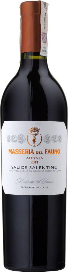 Masseria Del Fauno D.O.C. Salice Salentino  Wino posiada intensywny czerwono- rubinowy kolor. W smaku wyczuwalne delikatne aromaty owoców leśnych, śliwek, jagód i nut korzennych. Miękkie o zrównoważonej kwasowości i długim finiszu. #MasseriaDelFauno #SaliceSalentino #Puglia #Wlochy #Negroamaro #Primitivo #Wino #Winezja