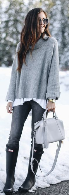 #winter #fashion / Grey Turtleneck / Grey Leather Tote Bag / Darkk Skinny Jeans / Black Boots