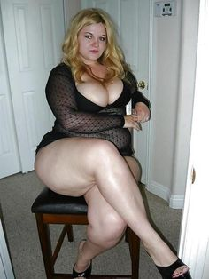 Voluptuous bbw puts her curves to work