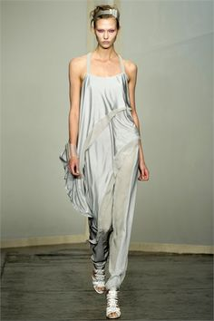 Donna Karan - Spring Summer 2013 Ready-To-Wear - Shows - Vogue.it