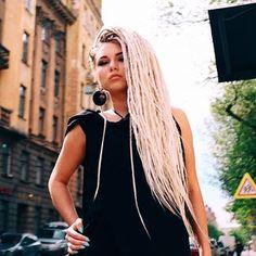 Dreads Short Hair, Thin Dreads, Fake Dreads, Dreadlocks Girl, Crochet Dreadlocks, Natural Dreads, Crochet Braids, Natural Hair, Faux Locs Blonde