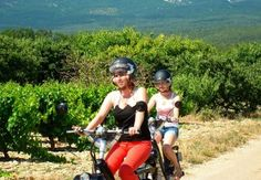 Met 30 km/uur door de wijngaarden van de Ventoux