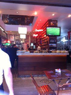 Elidido Bar! Um dos maus antigos de São Paulo  e esta entre os quatro bares clássicos de São Paulo.