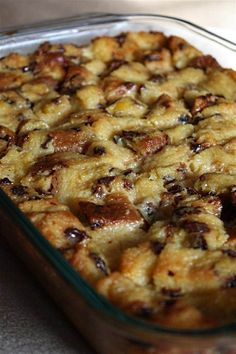 This panettone bread pudding with cinnamon syrup is the perfect use for Christmas panettone. Plus it makes a delicious Christmas breakfast or dessert