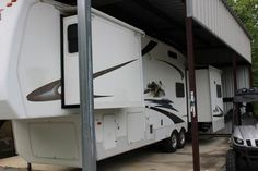 2006 Cedar Creek by Forest River for sale by owner on RV Registry http://www.rvregistry.com/used-rv/1013789.htm