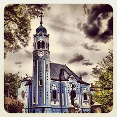 Church of St. Elizabeth a.a the Blue Church (by pavlix) - Beautiful! Iglesias, Bratislava, Place Of Worship, Amazing Grace, Vatican, Religious Art, Pretty People, Countryside, Houses