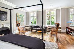 sol lewitt furnitures?