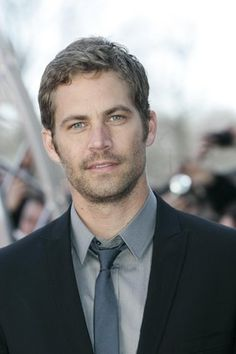 Cosmopolitan España: moda, belleza, amor y sexo, lifestyle. Paul Walker Family, Cody Walker, Paul Walker Tribute, Hard Movie, Paul Walker Pictures, When I See You, Charlie Puth, Pitch Perfect, Interview