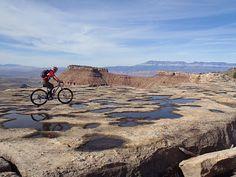 ABANDON YOUR CAR: mountain biking gooseberry mesa, utah