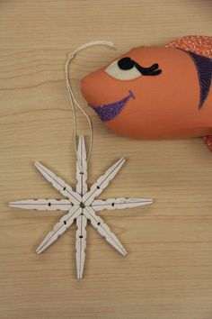 Have fun making upcycled snowflake ornaments with your Girl Scouts - great holiday gift or decor item. Girl Scout Leader, Girl Scout Troop, Girl Scouts, Snowflake Ornaments, Snowflakes, Christmas Ornaments, Holiday Gifts, Holiday Decor, Your Girl