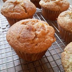 Desserts To Make, No Bake Desserts, Delicious Deserts, Yummy Food, Sweets Recipes, Cake Recipes, Peach Muffin Recipes, Peach Muffins, Danishes
