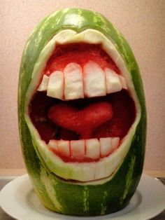 Watermelon Carving Patterns   mehr bilder unter: (>^_^)> 92 Watermelon Carving Art Designs >> from ...
