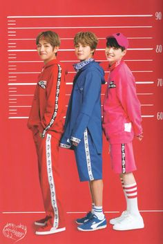 Wait, is Yoongi shorter than Jimin? Foto Bts, Bts Photo, Bts Jungkook, Suga Suga, K Pop, Bts Kim, Bts Group Photos, Bts Fans, I Love Bts
