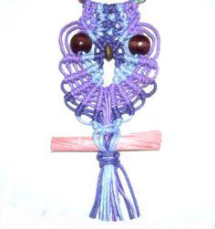 colgante del buho http://www.free-macrame-patterns.com/owl-pendant.html