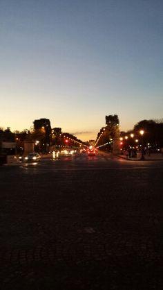 Moulin rouge parigi pinterest moulin rouge for Parigi champ elisee