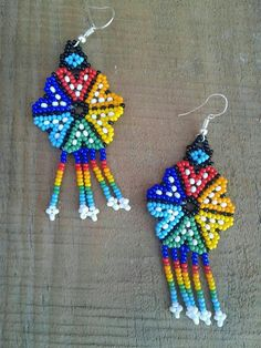 Learn from how to make pattern - Salvabrani Bead Jewellery, Seed Bead Jewelry, Bead Earrings, Flower Earrings, Crochet Earrings, Beaded Flowers Patterns, Beaded Necklace Patterns, Seed Bead Patterns, Beading Patterns