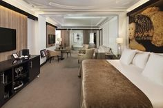 The 5-star Gran Meliá Palacio de los Duques in the historical and artistic heart of Madrid