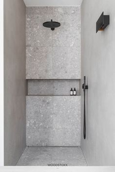 Home Interior Green Meerlagenparket Artisan Marseille Bad Inspiration, Bathroom Inspiration, Modern Bathroom, Small Bathroom, Bathroom Ideas, Gold Bathroom, 50s Bathroom, Remodled Bathrooms, Minimalist Bathroom Design