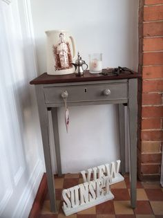 Shabby chic desk in annie sloan french linen and danish oil for top