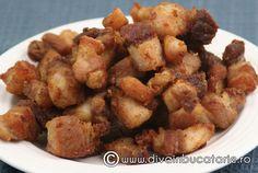 Reteta culinara Jumari din categoria Porc. Cum sa faci Jumari Russian Recipes, Russian Foods, Romanian Recipes, Romania Food, Good Food, Yummy Food, Smoked Bacon, Carne, Sausage