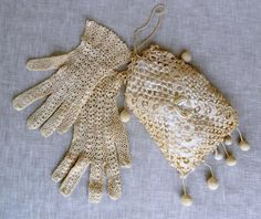 Vintage Victorian gloves and purse at vtgdreamcollectibles on Etsy. Crochet Handbags, Crochet Purses, Lace Gloves, Fingerless Gloves, 1900s Fashion, Irish Lace, Crochet Fashion, Vintage Lace, Hand Warmers