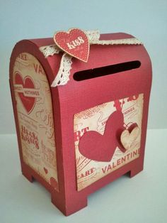Valentine Mailboxes- idea for card box DIY Kinder Valentines, Valentine Day Boxes, My Funny Valentine, Valentines Day Party, Valentine Day Crafts, Holiday Crafts, Holiday Fun, Valentinstag Party, Festa Party